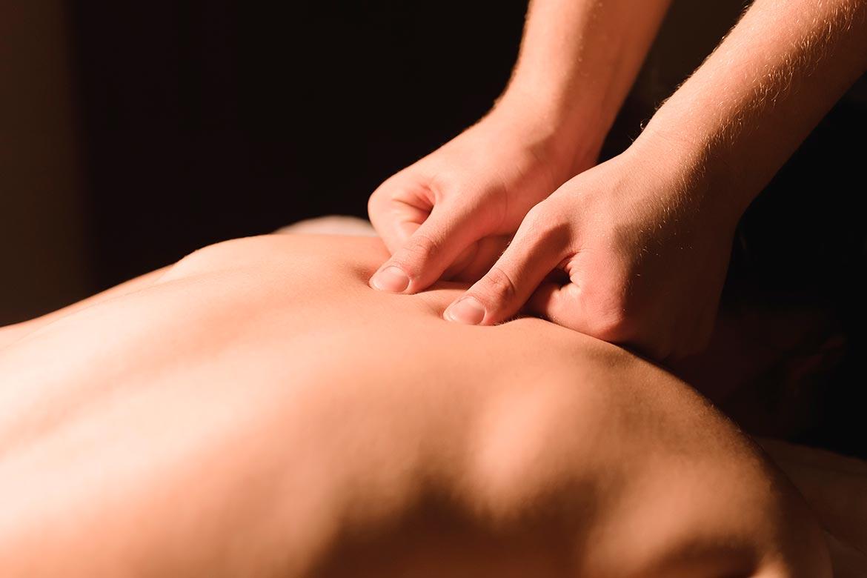 Masaje deportivo terapeutico en el centro OREKA de Eibar